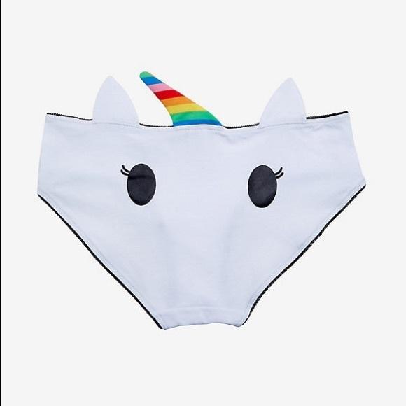 Size XL rainbows and a heart! Heart Ass panties